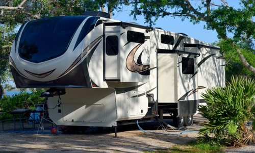 recreational-vehicle-3333103_640